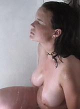 Nude pics and vid of busty actress Carla Gugino